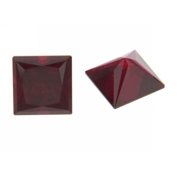 Synth. Edelstein Rubin Quadrat 5x5mm, bis 850°C